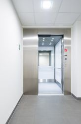 Inox lift in woonzorgcentrum door Verolift