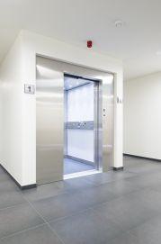 Energiezuinige lift met hydraulische aandrijving